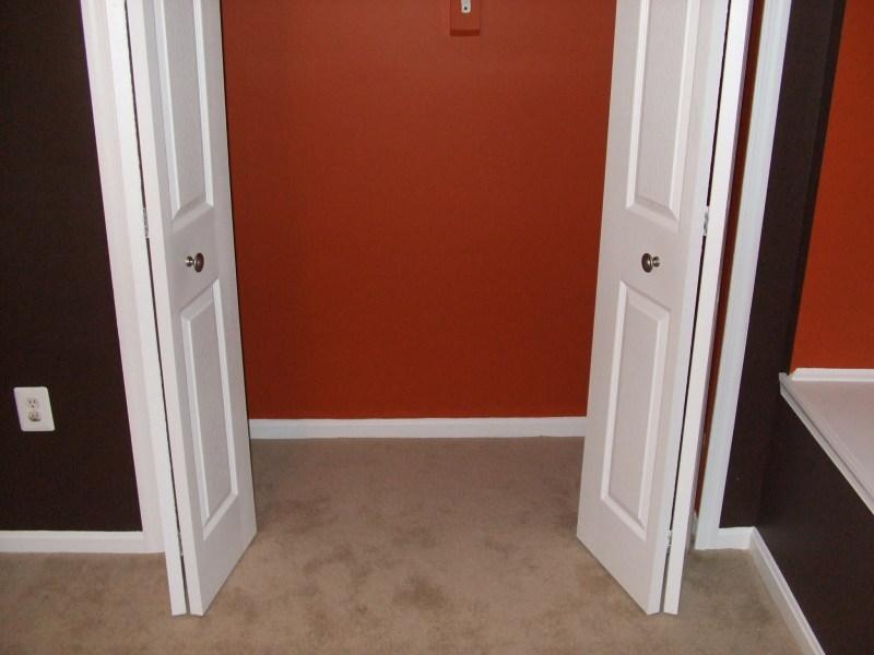 Beige carpet wall color carpet vidalondon for Paint colors for brown carpet